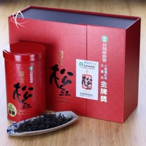 Golden Dragon Gold Medal Jin Xuan Black Tea Box with Tin and Tea