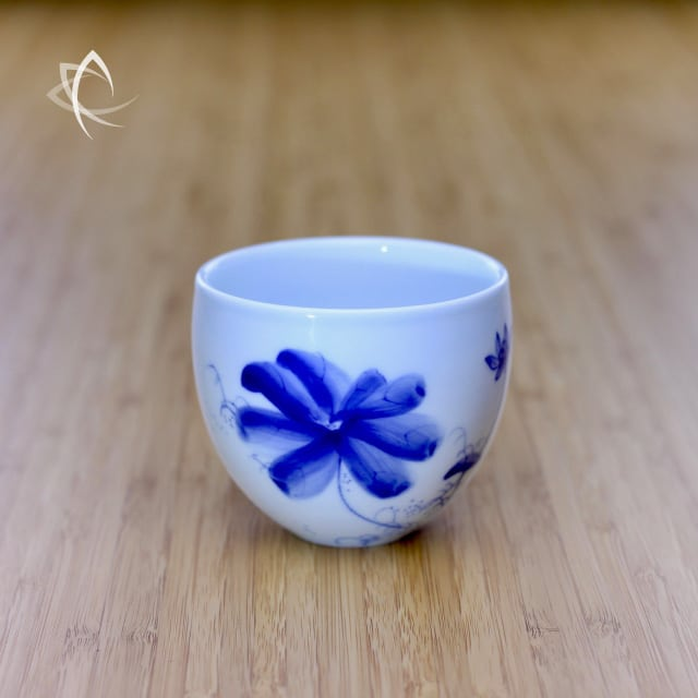 Solo Tea Cup With Hand Painted Lotus Flower Design Taiwan Tea Crafts